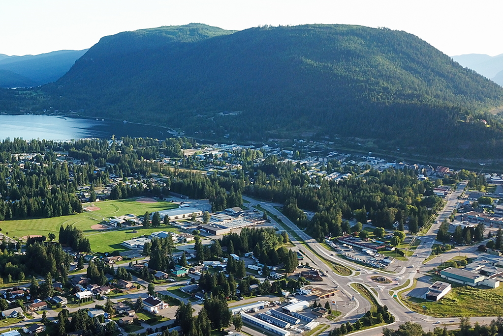 Sicamous BC Yarmoloy Group